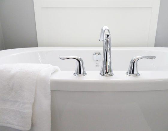 お風呂場、湯船