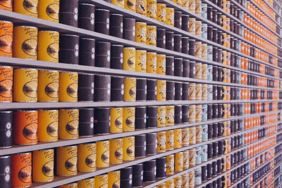 スーパーにある大量の商品