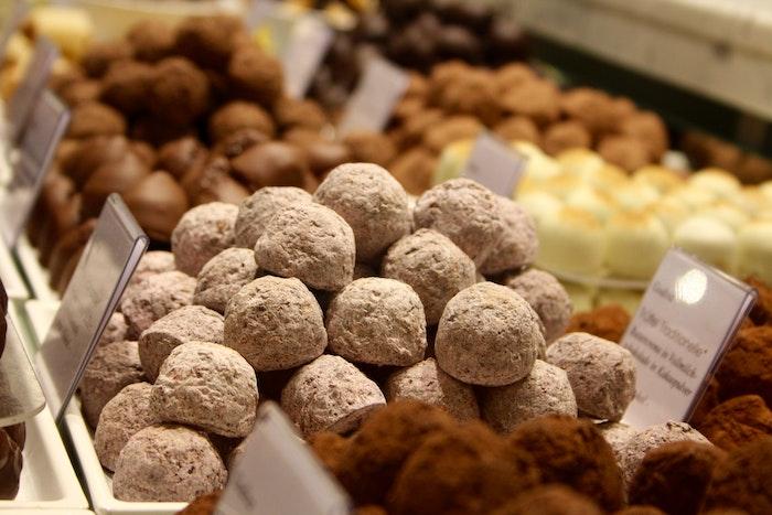 美味しそうなチョコレートでもペットには毒