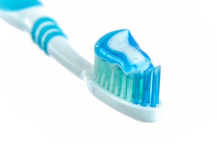 猫の歯みがきペーストを使うことも選択肢の1つ